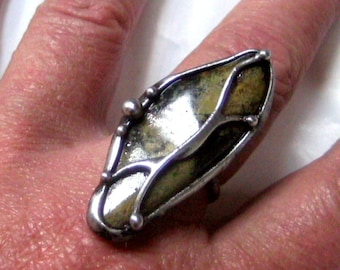 Adjustable  ring with Serpentin(Chytha) gemston,tifany technique,natur