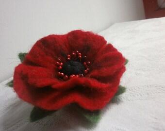 Felt brooch,poppy red felt flower brooch,green blach felt brooch flower,women  felt jewerly, red brooch, felt flower,scarf,hat,pins jewelry