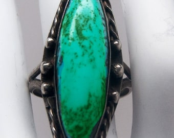 Pretty signed vintage Native American turquoise ring in sterling silver