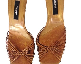 DKNY Bronze Genuine Leather Strappy Summer Kitten Heels - Made in Spain - Size 5.5 M