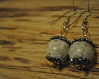Vintage pearl bead earrings