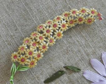 Vintage 1950s floral rhinestone brooch