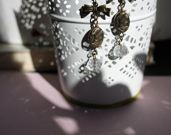 Delicate vintage earrings with women Camee and Crystal bead