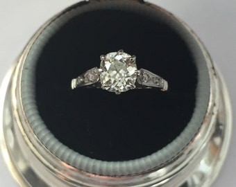 1.04 Carat Antique Diamond Engagement Ring In Platinum, 1.04 Carats