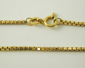 "Box Link necklace chain 19 7/8"" Long 18 carat gold 8.9 grams"