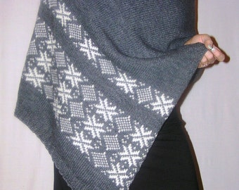 Poncho knittted ofanthracite dark gray wool patterned knitted Very warm, soft, elegant, feminine