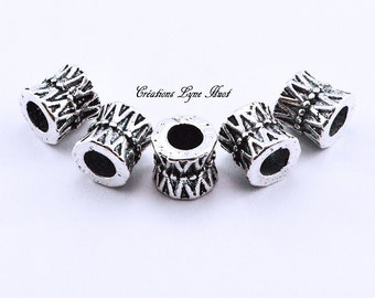 Silver metal charm beads that fit all European bracelets !