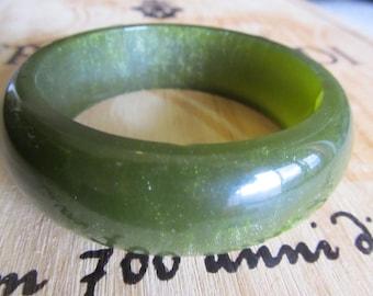 Vintage Chunky Olive Green Glitter Resin Bangle Bracelet