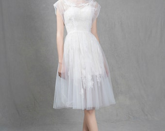 Capped sleeves lace short wedding dress