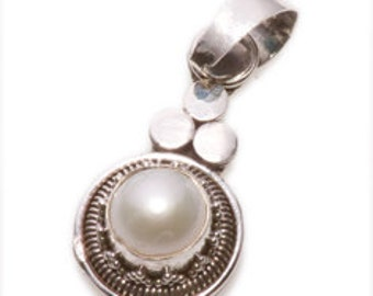 Fine Vintage  Silver Pendant.   Real Pearl and a Silver Chain.