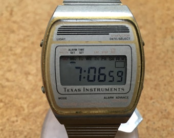 Rare Collectible Vintage Texas Instruments Mens Gold Tone Steel LCD Digital Quartz Alarm Chrono Watch Hours Clock ~ New Battery
