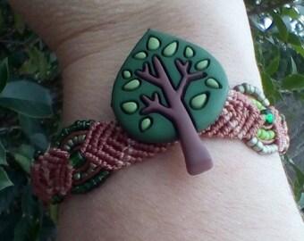 woodland macrame tree pendant bracelet