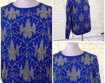 1980s vintage pullover womens sweater charcoal grey with blue floral pattern size sm