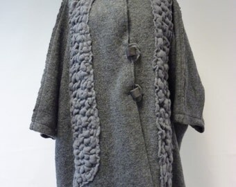 Sale, new price 110 EUR, original price 180. Grey felted coat, XL size. Handmade, loose-fitting. Artsy and fashion together.