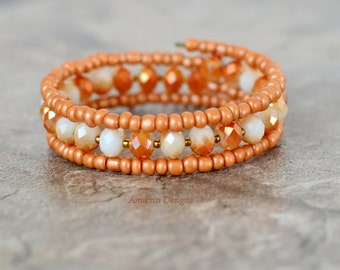 Peach Memory wire bracelet - Boho jewelry - Coral Beaded bracelet - Crystal bracelet - White bracelet - Seed bead jewelry - Gift for her