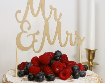 MR AND MRS card wedding cake topper