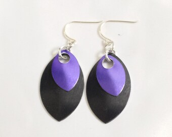 Scalemail Earrings - Black and Purple
