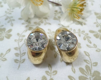Beautiful Vintage Gold Tone Clip On Earrings With A Rhinestone  DL#8250