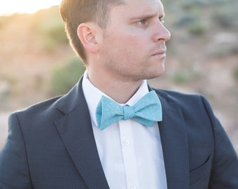 Bow Tie, Solid Turquoise Men's Bow Tie