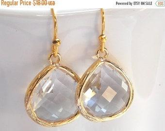 SALE Wedding Jewelry, Bridesmaid Jewelry, Crystal, Clear, Glass, Earrings, Bridesmaid Gifts, Drop, Gold Earrings, Dangle, Wedding Gifts, Tea