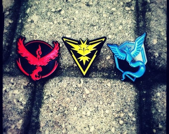 Pokemon Go hatpins your choice of any 1 of 3 pins mystic, valor, or instinct