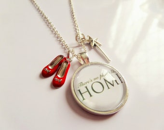 """WIZARD of OZ Inspired - Dorothy 'there's no place like home"""" 25mm glass dome keyring - fan gift"""