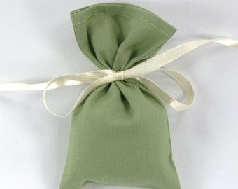 Green cotton sachet, EMPTY favor bag, simple potpourri sachet, with ribbon, cotton favor bag, weddings and showers, small gift bag, size 3x5