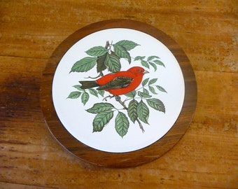 Vintage Red Bird Tile Trivet Set in Wood