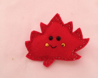 Handmade autumn leaf brooch