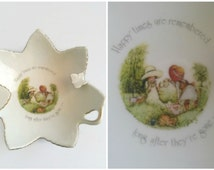 """Vintage 1970s Holly Hobbie Ash Tray / Trinket Dish """"Happy Times Are Remembered Long After They're Gone"""" - Porcelain Designers Collection."""