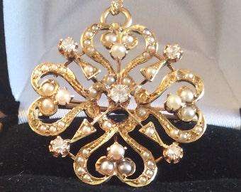 VS G-H Diamond and Pearl pendant/brooch