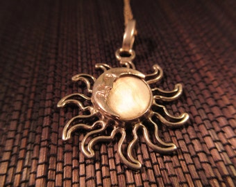 Retro Sterling Silver Mother of Pearl Sun & Moon Necklace