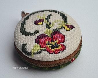 Macaroon jewelry purse,hand cross stitch,7.5 cm.