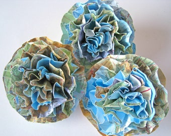 Set of 3 Map Paper Flowers, Map Paper Roses, Travel Decor, Blue Wedding, Travel Paper Wedding Decor, Map Table Centerpiece, Travel Party