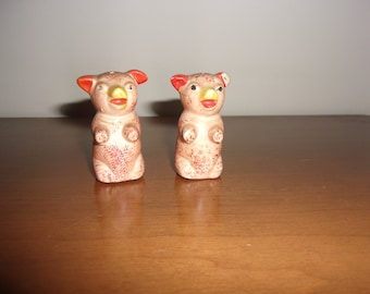 Vintage miniature piglets salt & pepper shakers