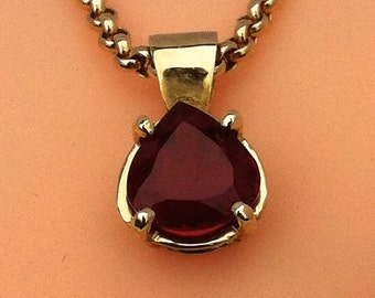 "Red Rubellite Tourmaline heart shaped Pendant set in 9t Yellow Gold and 20"" Chain"
