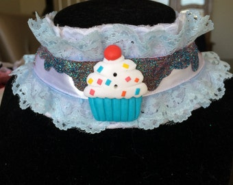 Blue and white cupcake chocolate icing with glitter sprinkles drip choker necklace
