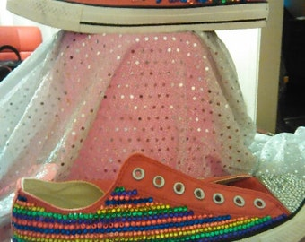 SHOW YOUR PRIDE Converse All Star