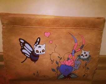 Handpainted clutch