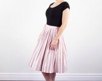 Vintage 1950s Floral Border Full Skirt / 1950s Cotton Skirt / High Waist / XS/S