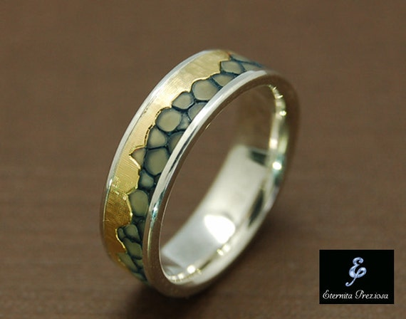 unique 18k gold wedding band mens wedding band womens. Black Bedroom Furniture Sets. Home Design Ideas