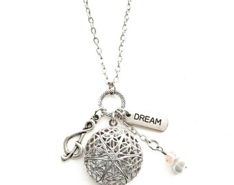 Musical Dream Diffuser Necklace,  Music Lover Essential Oil Diffusing Necklace, Aromatherapy Jewelry, Essential Oil Gift, Music Note Dream