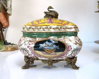 WL 1895 WONG LEE Vintage Porcelain & Bronze Swan Hand Painted Large Trinket Jewelry Box