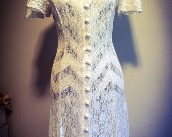 Vintage 1980's White Lace Dawn Joy Fashions Madonna Style Keyhole Faceted Buttoned Dress Size 3/4