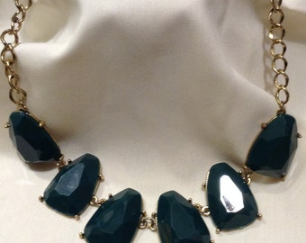 Modern Large EMERALD GREEN Beaded Chunky Bib Necklace, Gold Chain Necklace 2687-12