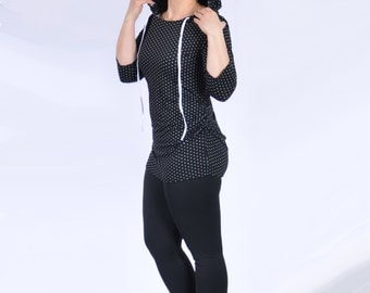 T-Shirt Basic No 205 in black with white dots