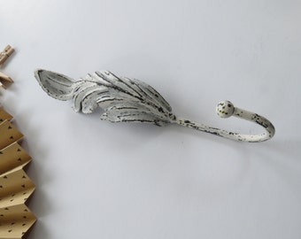 Leaf Hook / Cast Iron / Wall Hook / Shabby Chic