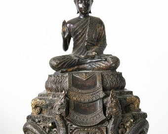 Massive bronze Buddha - Thailand - 20th century