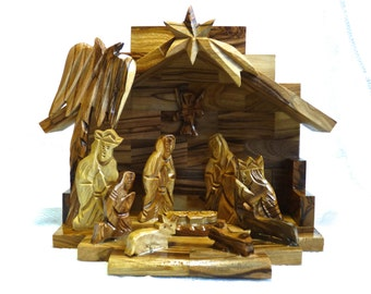 NATIVITY ~ HAND CARVED ~ Olive Wood ~ HolyLand ~ Vintage ~ Great Gift