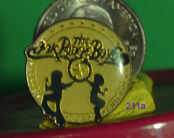 vintage The Oak Ridge Boy's hat pin and pin back  == 211a